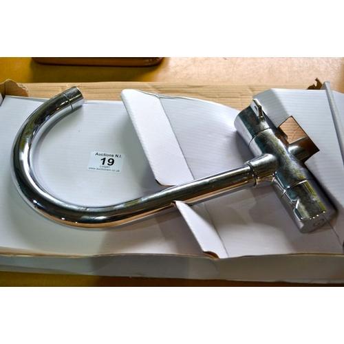 19 - Fresco Lever Sink Tap...