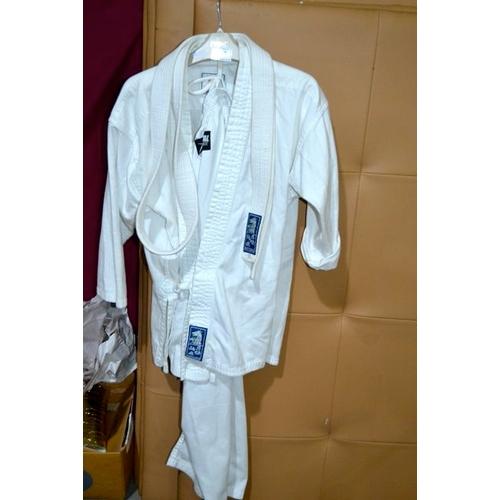 43 - Martial Arts Suit...