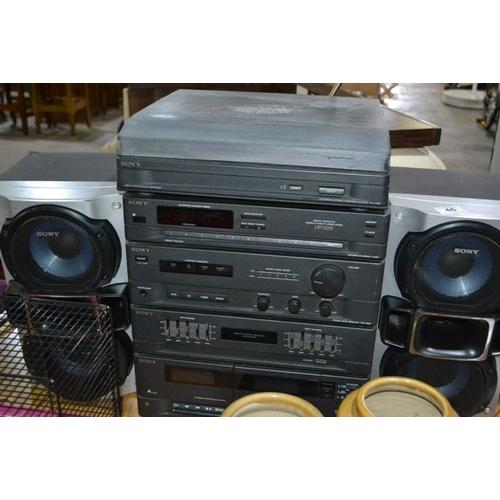 46 - Sony HiFi Sound System...