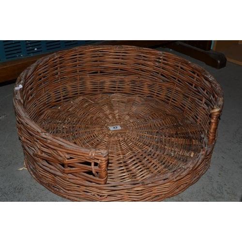 42 - Circular Wicker Dog Bed...