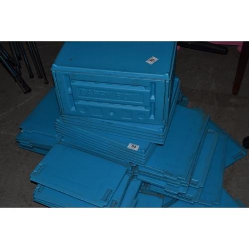 54 - New Lidded Barry Box x 5...