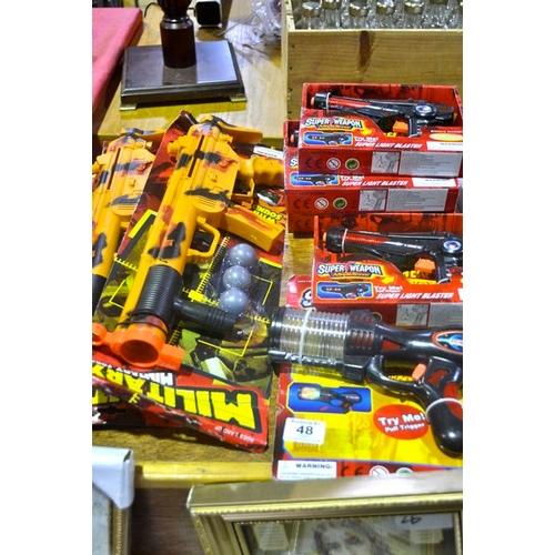48 - New Toy Gun x 7...