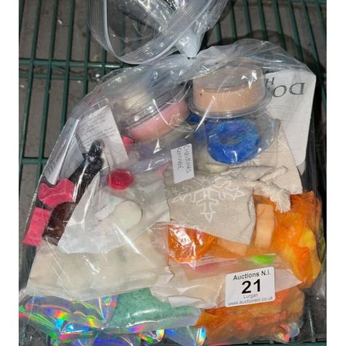 21 - Bag of Wax Melts etc