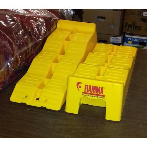 1 - 56 x 20cm Fiamma hard plastic ramps...