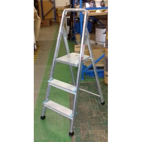 269 - Beldray aluminium 3 step ladder...