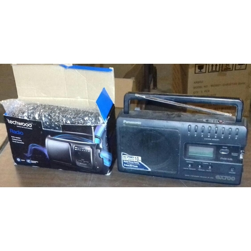 397 - Boxed and unused Techwood AM/FM portable radio and other unboxed Panasonic gx700 portable radio...