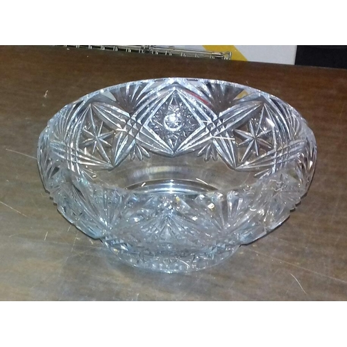 81 - 12 cm tall and 23 cm diameter crystal bowl...