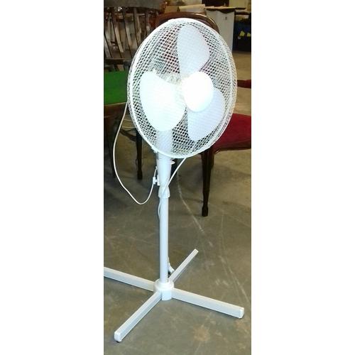 435 - Fine elements floor stand 3 speed oscillating fan...