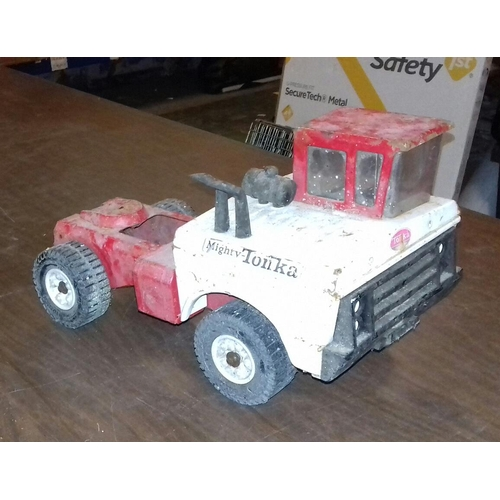 293 - Vintage Tonka dumper truck with missing box bed...