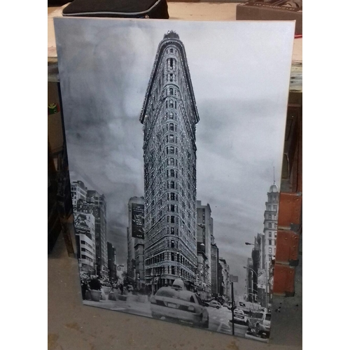 344 - 90 x 60 cm shimmering canvas picture of Flatiron Building Manhattan Square...