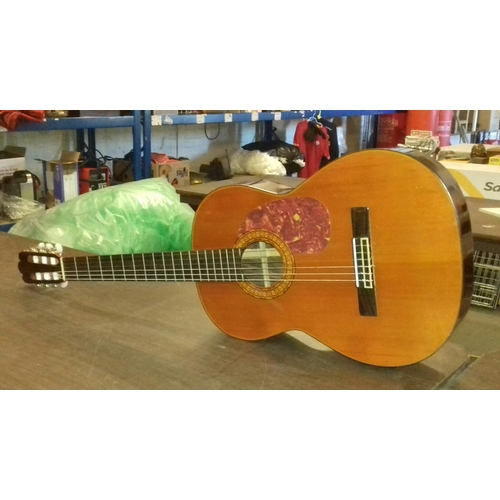 388 - Classical acoustic guitar...