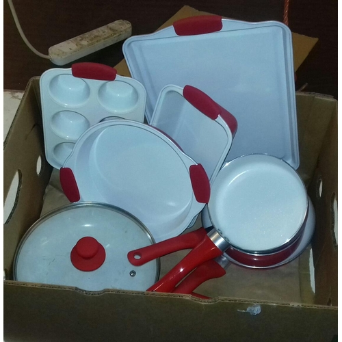 253 - Red and white cooking set...