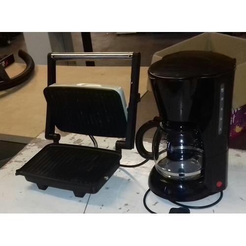 476 - Wilko coffee-maker and Crofton professional panini press...