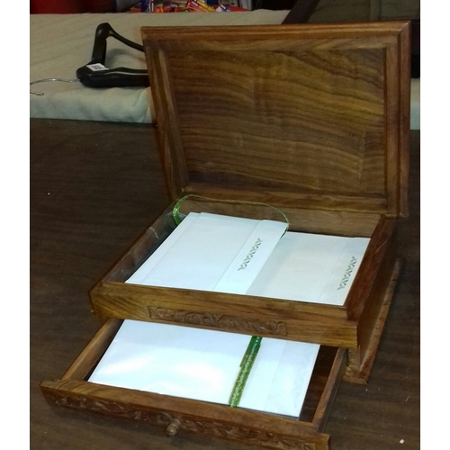 372 - 28 x 21 x 10 cm carved wooden writing box inlaid with mother of pearl...