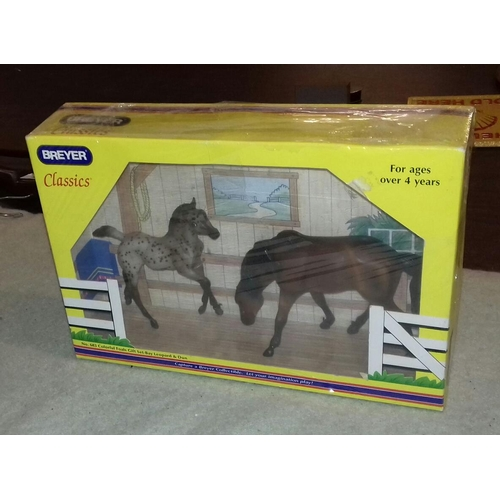 324 - Boxed and unopened Breyer classic horse set number 683...