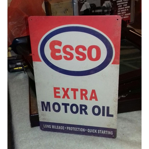 118 - 30 x 20 cm Esso motor oil tin sign...