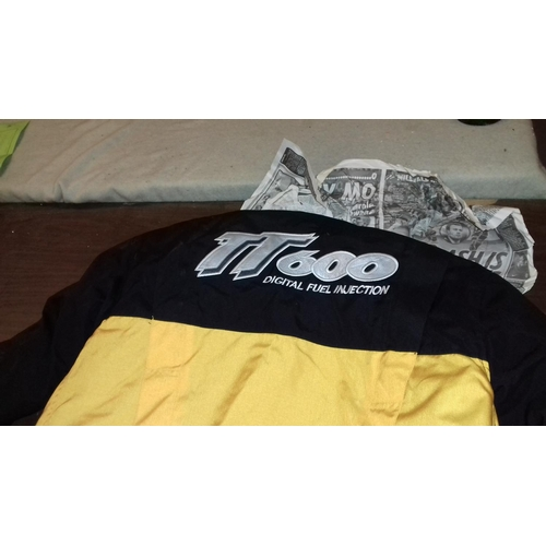 210 - Triumph TT600 motorcycle jacket size medium...