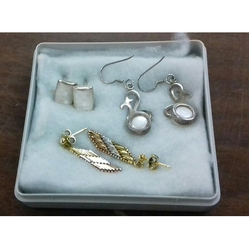 546 - 3 x pairs of 925 stamped silver earrings...