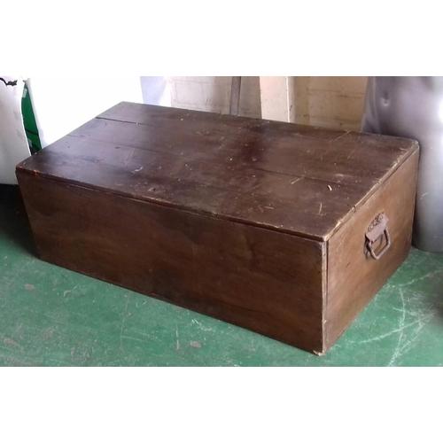 497 - 94 x 49 x 33 cm old oak trunk/box...