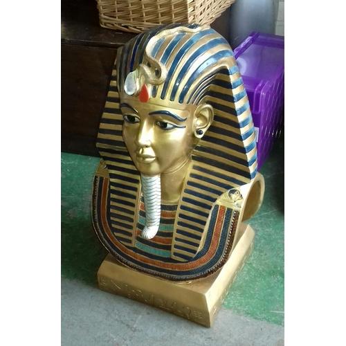 193 - Heavy composite 49 cm tall Egyptian bust of King Tutankhamun...