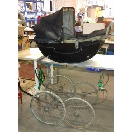 206 - Pre-war silver cross coach built pram for restoration...