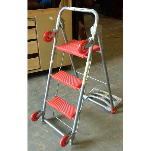 366 - Workpro 68 kg 3 in 1 trolley/steps...