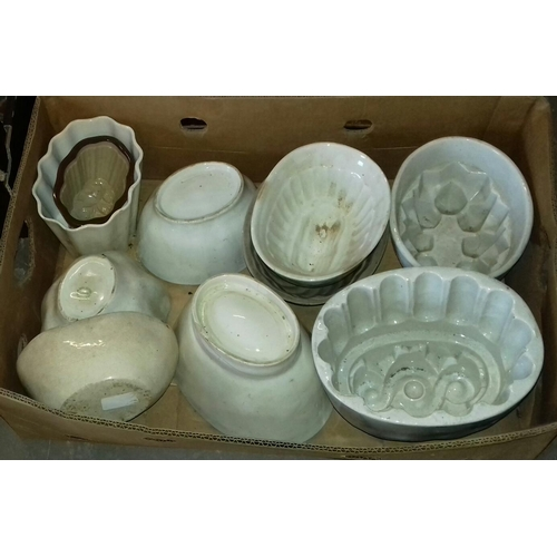 281 - Box of assorted ceramic and stoneware jelly/blancmange moulds...