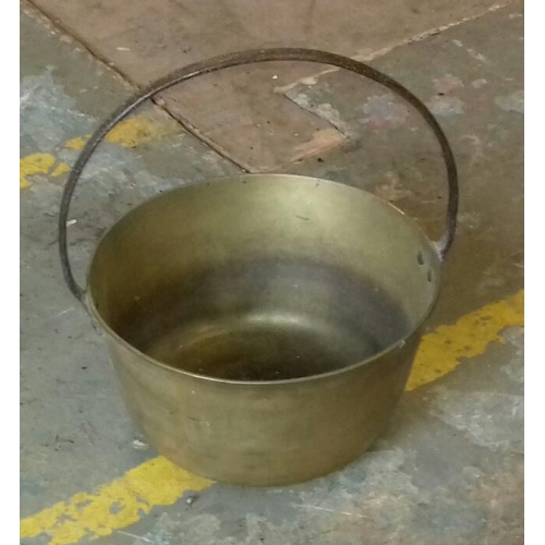 145 - 18 cm tall and 31 cm diameter brass jam pan with fixed handle...