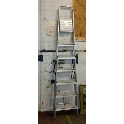 218 - Aluminium 7 step ladder...