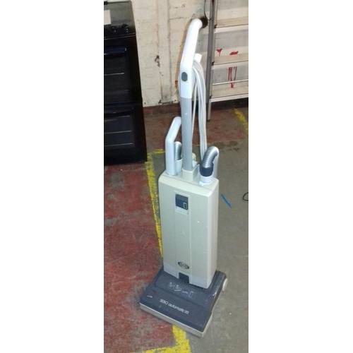 442 - Sebo auto X1 upright vacuum cleaner...