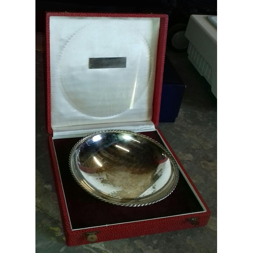318 - Boxed 1960 German honorary presentation white metal bowl with inscribed plaque 'ehrenpreis der kurge...