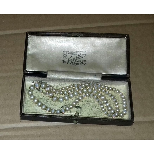 545 - Vintage 16 inch pearl necklace in case...