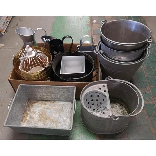 46 - Job lot of assorted metalware inc' old galvanised mop bucket and pales etc...