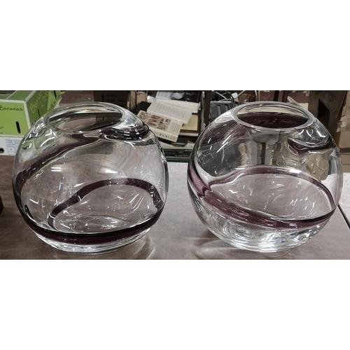31 - Pair of 22 cm diameter and 19 cm tall heavy art glass globe vases...