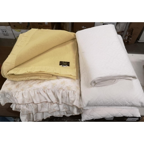 9 - 2 x matching single bedding sets of duvet and cover, blanket, mattress protector and 2 x pillows...