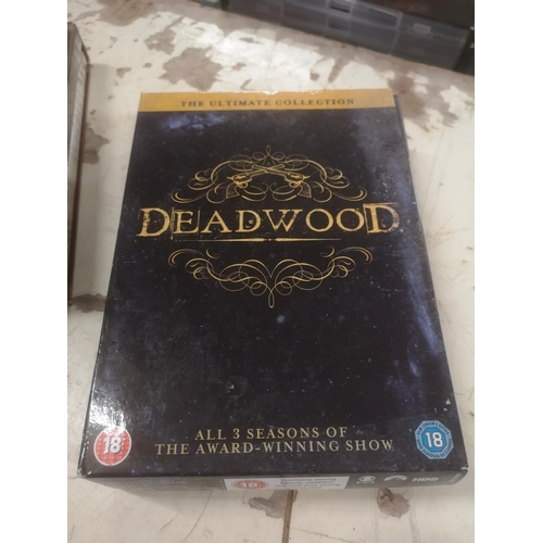 44 - Deadwood the ultimate collection all 3 seasons DVD box set...