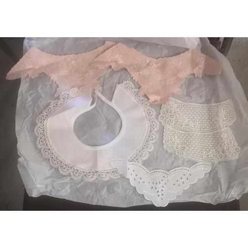 59 - Bundle of vintage lace collars...