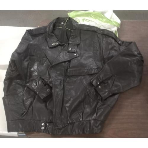20 - Gents short length leather jacket size XL...