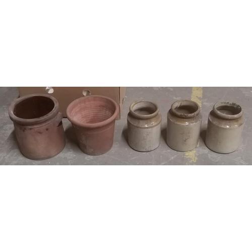 17 - Bundle of assorted earthenware pots...
