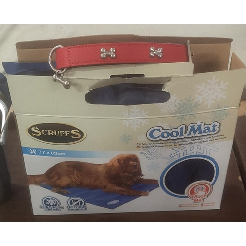 54 - Boxed Scruffs 77 x 62 cm pet cool mat & leather collar...