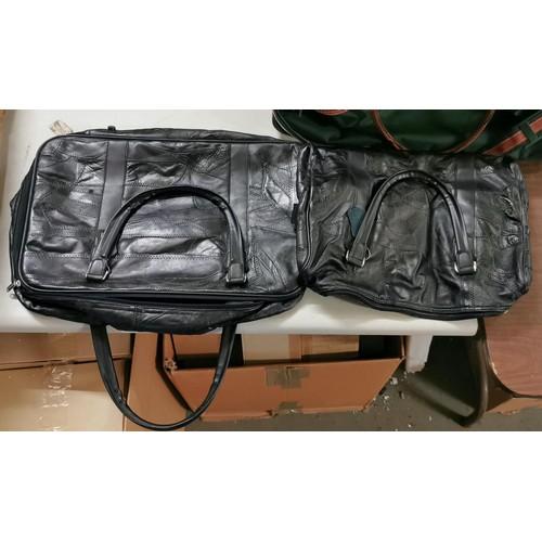 40 - Retro Constellation soft case and matching shoulder bag...