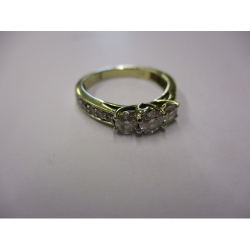 27 - A 9ct white gold ring set with approx. 1 carat of diamonds