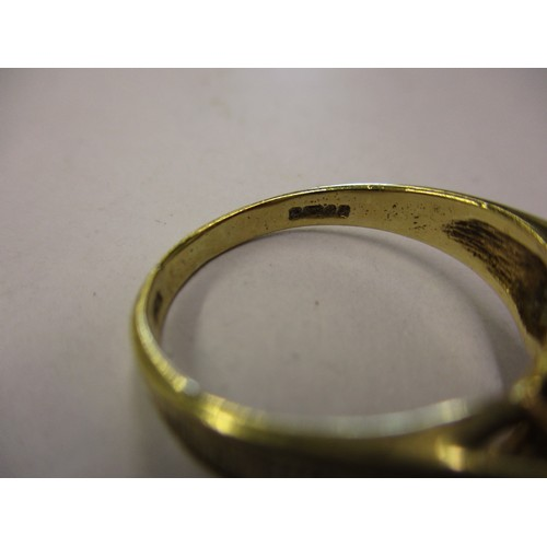 47 - A 9ct gold dress ring, approx. ring size P