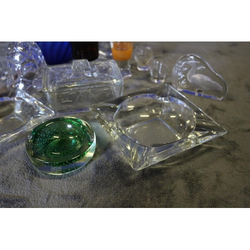 11 - Selection of Glass Ware