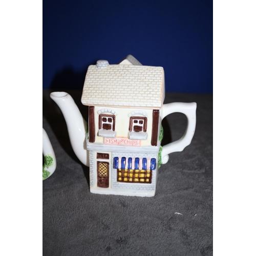 21 - 2 x Collectors Novelty Teapots by Leonardo - af