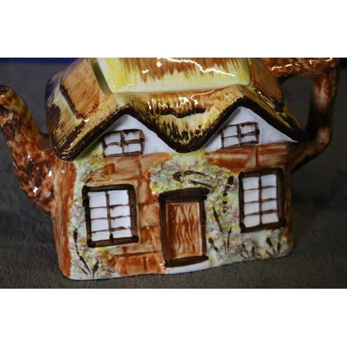 24 - Ye Olde Cottage Teapot
