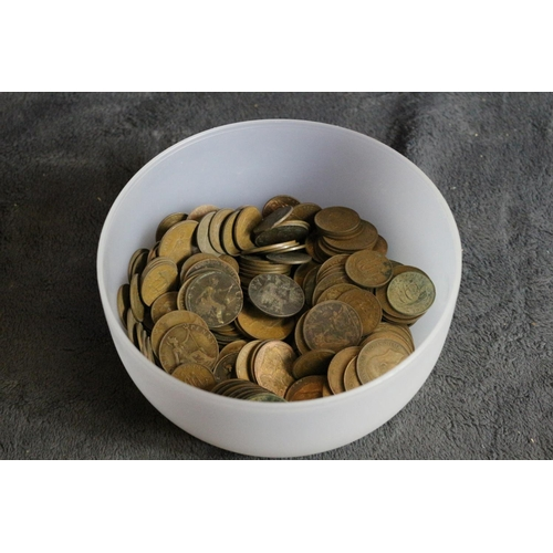 44 - Collection of Old Pennies & Half Pennies. 2.2KG