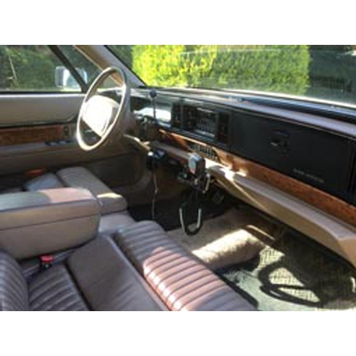 148 - 1991 Buick Park Avenue Registration No: N529 HTE...