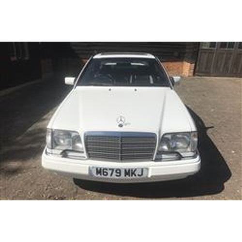 118 - 1994 MERCEDES-BENZ W124 E220 COUPE REGISTRATION NO:  M679 MKJ...