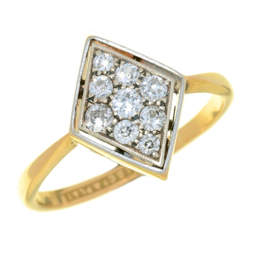 20 - <p>AN ART DECO DIAMOND RING the old cut diamonds 0.5ct approx, in gold marked 18ct & plat, 4g, size ...